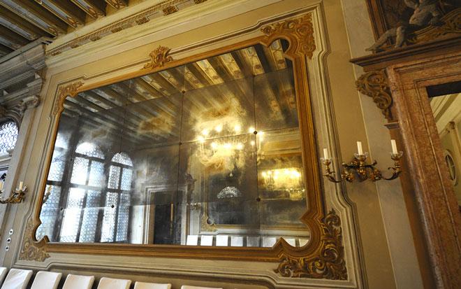 specchio-portego-palazzo-zeno
