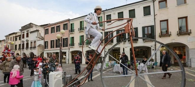 mestre_carnival_street